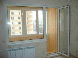 Покупка пластиковых дверей для балкона