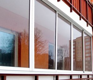Некоторые способы остекления балконов и лоджий