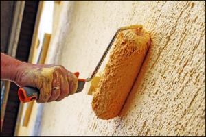 Технология покраски внутренних стен по штукатурке